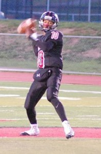 Woodbridge sophmore QB Donovan Tabon completed 69 of 112 attempts (62%) for 989 yds and 11 TD's in 8 games in 2016.